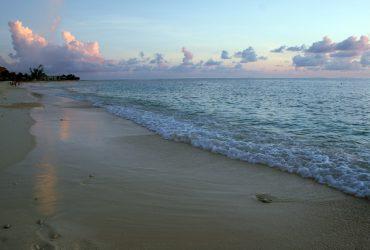 Honeymoon in the Cayman Islands: Orlando to Grand Cayman