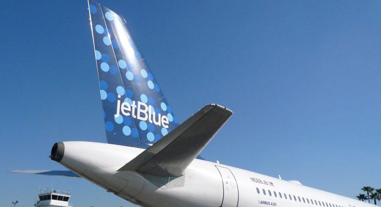 Land 2,050 Free JetBlue TrueBlue Points
